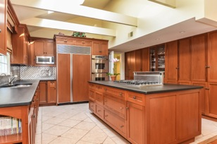 Honduras Mahogany Kitchen